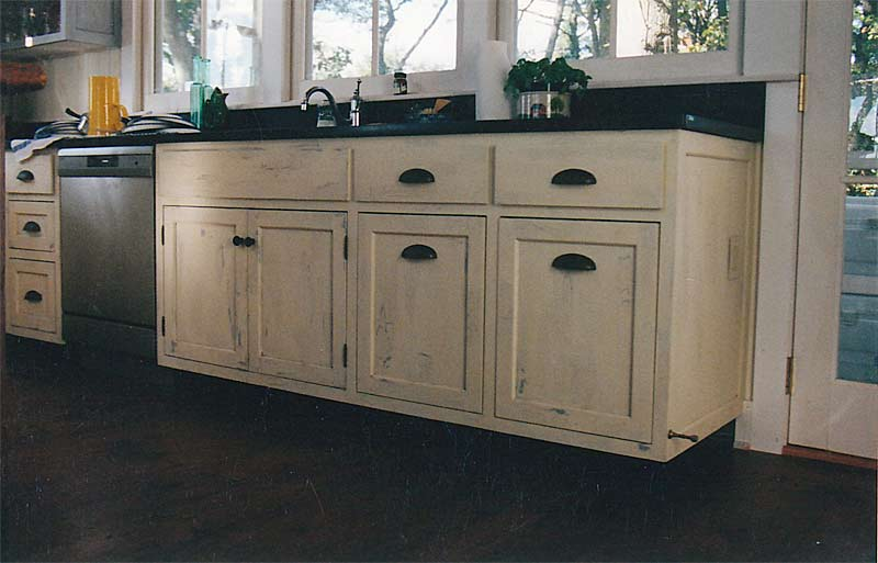 Distressed kitchen cabinets casual cottage for Distressed kitchen cabinets
